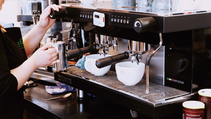 Best Commercial Espresso Machine: 6 Comparisons for you! (2020)