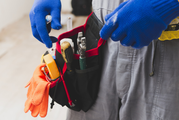 Find the 7 Best Electrician Tool Belts for you! (2020)